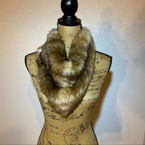 NWT brown faux fur scarf